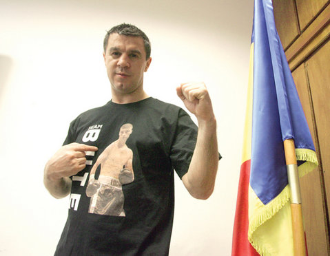 """Din acest an, la Centura Moldovei la box, campionul de la categoria 69 de kg va primi """"Trofeul Mihai Leu"""", chiar din partea fostului campion mondial"""