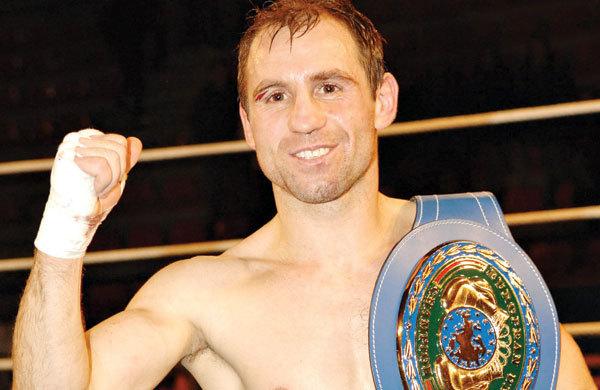 """Boxerul român considerat """"campionul fără casă"""" s-a retras din activitate. """"N-am spus niciodată nu unei lupte, indiferent cu cine am boxat şi oriunde a avut loc lupta"""""""