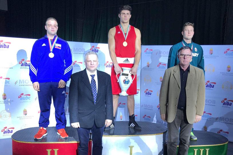 Boxerul român Andrei Arădoaie a câştigat turneul internaţional de la Debrecen