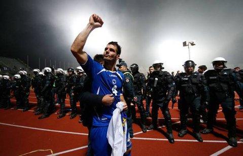 VIDEO   Au pierdut cu 7-0, dar au fost aplaudaţi de suporteri. Momentul emoţionant de la finalul partidei dintre FC Sarajevo şi Borussia Monchengladbach