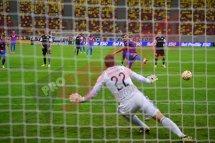 """""""Să nu râdeţi de mine!"""" Portarul care a încasat joi seară 5 goluri în 13 minute de la Rusescu şi Keşeru a oferit declaraţii geniale: """"De ce să-mi doresc să uit acest meci?"""""""