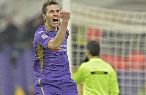 Imaginea serii în Europa League: Basanta a fost accidentat de un coechipier, după golul care a dus la umilirea Romei