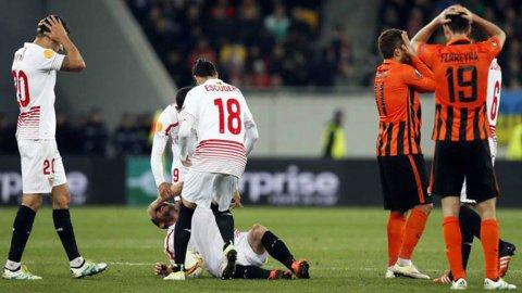 Final de sezon! Kron-Dehli a suferit o accidentare groaznică în meciul Şahtior - Sevilla