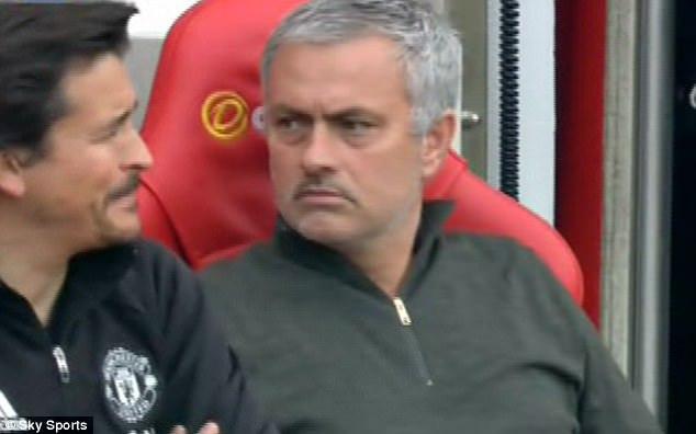 """""""E finalul pentru el la Manchester! Ultimul cui în coşciug!"""" Concluzie drastică trasă de Roy Keane după United - Anderlecht. Mesajul clar transmis de Mourinho"""