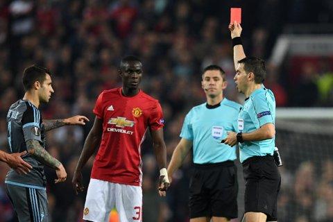 """Haţegan l-a enervat pe Mourinho.  United merge în finală, dar fără unul dintre cei mai buni jucători din acest sezon. Decizia contestată de portughez: """"A fost naiv!"""""""