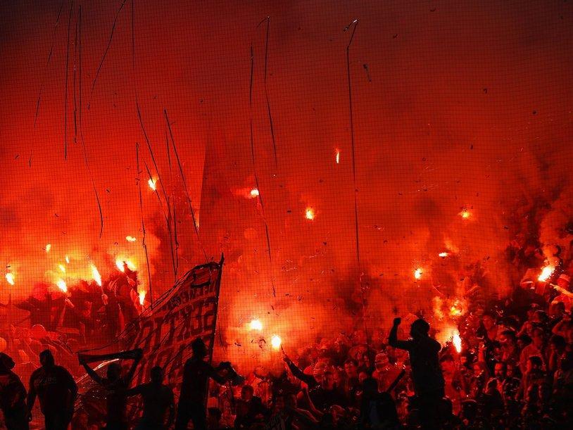 """Steaua Roşie, """"party pooper!"""" Fotbalul european s-a întors la Koln după 25 de ani, dar nemţii au pierdut în urma unui gol de generic"""