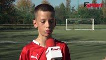 VIDEO | Interviu cu cel mai înfocat fan din România al lui Be'er Sheva. Are 11 ani şi duce mai departe moştenirea tatălui său. Trăieşte printre dinamovişti şi nu-i dă şanse FCSB-ului