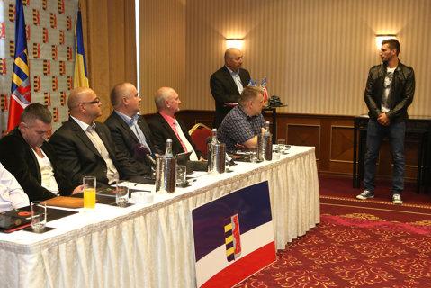 Rutenii dau o mână de ajutor boxului românesc: premii pentru medaliaţii din 2014 şi parteneriat cu Bogdan Juratoni