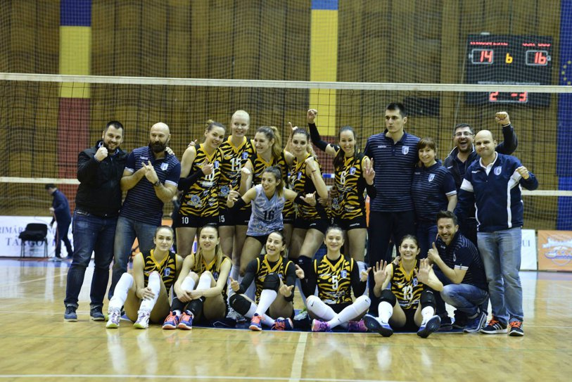 Voleibalistele de la CSM Bucureşti, victorie mare înainte de finala Cupei Challenge. Tigroaicele conduc cu 1-0 în semifinala Diviziei A1 cu CSM Târgovişte