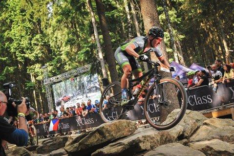 Rezultat istoric pentru ciclismul românesc. Vlad Dascălu a câştigat etapa mondială de MTB XCO de la Nove Mesto la categoria U23