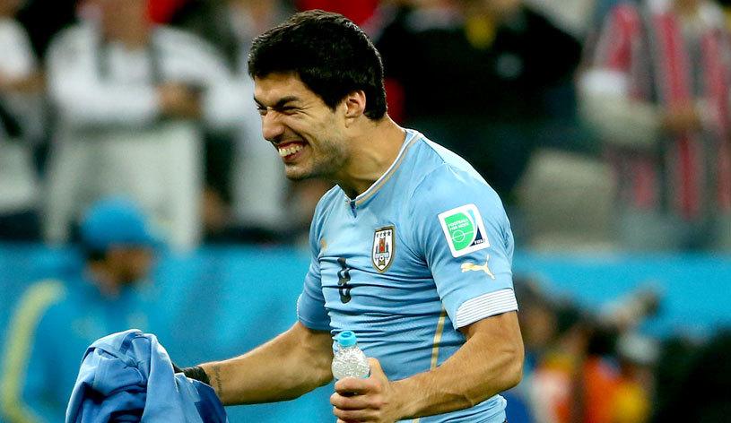 Delegaţia Uruguayului, reacţie dură după ce FIFA l-a suspendat pe Suarez: meciul contra Columbiei ar putea fi boicotat