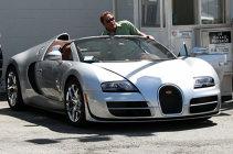 Atunci când banii nu sunt o problemă. FOTO | Cum a fost surprins Arnold Schwarzenegger  pe şosea. Plus: Cum a scăpat în trecut, atunci când a fost oprit de Poliţie