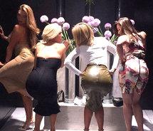 FOTO! Cum se distrează fetele în cluburile din Capitală! Imagini incredibile puse pe net. Se vede TOT