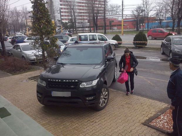 photo of Simona Halep Range Rover - car