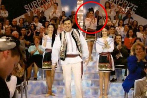 """""""Surprize, surprize"""" cu Corina Caragea! Cum şi-a făcut debutul în televiziune când avea doar 19 ani. O imagine de arhivă"""