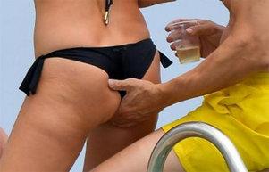 FOTO! Imagini incredibile pe o plajă de fiţe! I-ai văzut de atâtea ori la TV şi uite în ce ipostază au fost surprinşi!