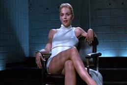 FOTO! După 25 de ani, Sharon Stone a recreeat accidental cea mai celebră scenă din istoria cinematografiei. Cum arată acum frumoasa actriţă