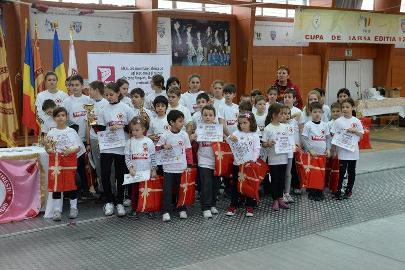 GALERIE FOTO: Clubul privat de scrimă ACS Stesial şi-a premiat sportivii pentru rezultatele obţinute în 2013