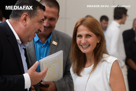 Laura Badea şi Marius Florea, candidaţi la şefia FR de Scrimă. Alegerile au loc miercuri, de la ora 11:00
