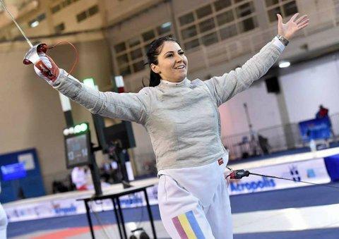 Bianca Pascu, un miracol pe planşele scrimei: cum să ai o singură sportivă senioară în România, la proba de sabie, şi să câştige Cupa Mondială!?
