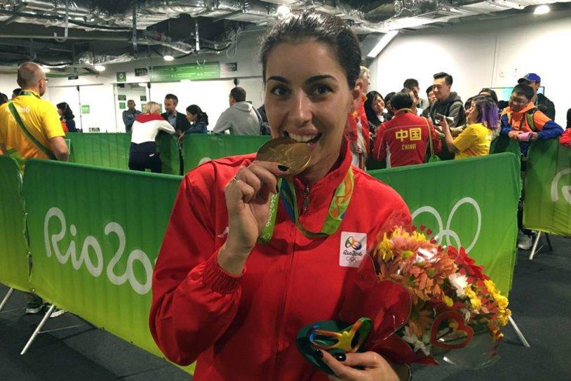 """Loredana Dinu: """"Scopul meu va fi să atingem împreună cele mai înalte performanţe"""". Campioana olimpică şi-a depus candidatura pentru şefia FR de Scrimă. Cine sunt ceilalţi doi candidaţi"""