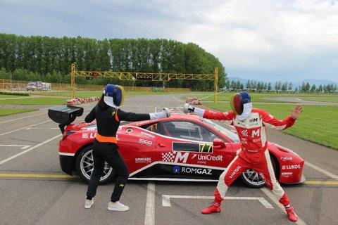 Loredana Dinu a fost copilot de teste pentru Mihai Leu pe un Ferrari 458 Challenge   FOTO