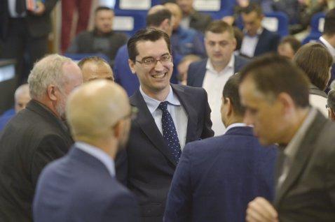 """EXCLUSIV   Declaraţii BOMBĂ: """"Nu cred că Burleanu va mai candida la şefia FRF!"""" Ce s-ar pregăti în culise"""