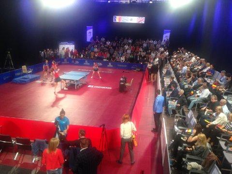 Tiki-Taka. Naţionala feminină de tenis de masă a învins clar Grecia, scor 3-0. Inovaţie: meciul s-a jucat într-un studio cochet al TVR