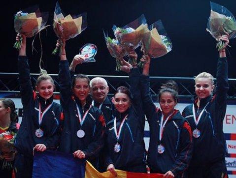 FOTO DE COLECŢIE | Acum, ca şi atunci: Eliza Samara, supravieţuitoarea echipei care a câştigat, în urmă cu 12 ani, aurul european la tenis de masă pentru România