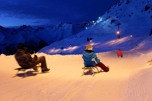 TIMP LIBER   Ischgl, decorul perfect pentru lecţiile de schi ale sezonului rece