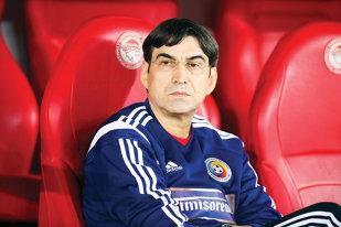 Piţurcă este cel mai bine plătit antrenor din România. Selecţionerul are ocazia să câştige circa 800.000 € în următorul an