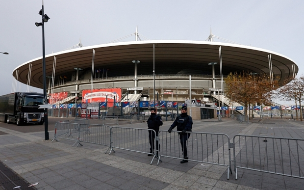 Frica de atacuri teroriste lovește din plin EURO 2016: Poliția franceză solicită închiderea unui fan zone de 90.000 de suporteri din Paris