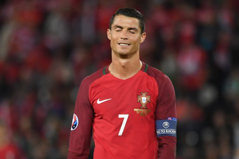"""Cristiano Ronaldo visează să câştige EURO, deşi Portugalia n-a câştigat niciun meci până acum: """"De ce nu? Se poate"""""""