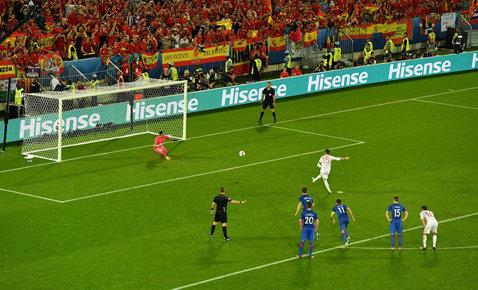 Pierluigi Collina susţine că penalty-ul ratat de Sergio Ramos în meciul cu Croaţia trebuia repetat