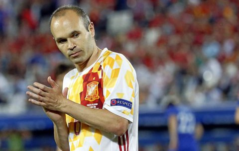 """Adio, TIKI-TAKA! Iniesta, fără cuvinte după 0-2 cu Italia. Reacţia """"magicianului"""" de la Barcelona"""