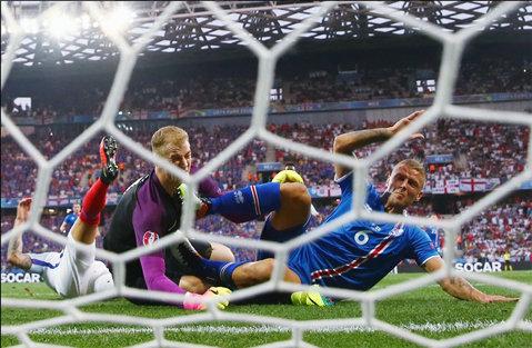 """Hodgson a plecat, Southgate îi poate lua locul! Englezii sunt furioşi: """"Ne-a eliminat o ţară care are mai mulţi vulcani decât jucători de fotbal!"""""""