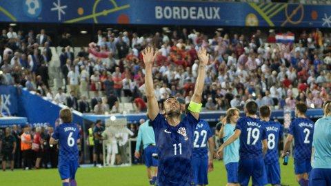 """Naţionala în care fanii şi jucătorii formează o familie. Scrisoarea emoţionantă a lui Darijo Srna pentru suporterii croaţi: """"Dacă ne-am putea măsura după fani, am fi campioni mondiali!"""""""