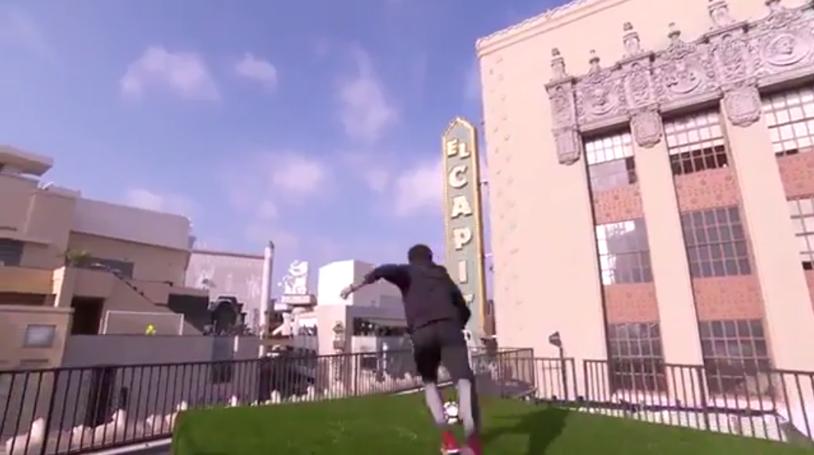 Neymar face spectacol la Hollywood! Asta e ultima grozăvie reuşită de brazilian: a marcat la înălţime de pe o clădire pe alta | VIDEO