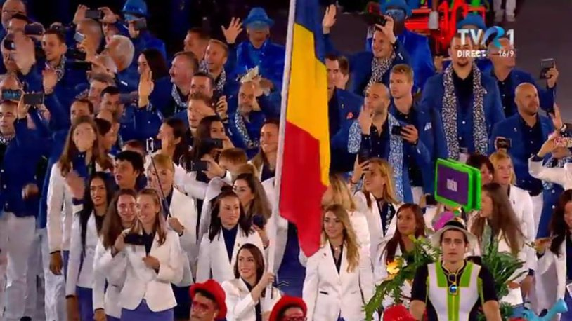 Jocurile Olimpice au fost declarate deschise! Delegaţia tricoloră a intrat în scenă la ora 04:24, cu Cătălina Ponor purtătoare a drapelului. Mesajul puternic transmis la Ceremonia de Deschidere