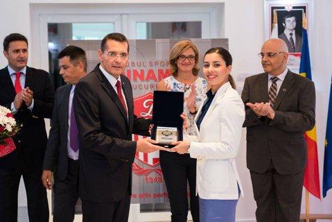 Olimpicii de la Dinamo, felicitaţi de ministrul afacerilor interne, Petre Tobă