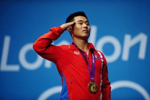 INUMAN | Liderul suprem îi pedepseşte pe olimpicii nord-coreeni. Sportivii nemedaliaţi la Rio vor munci în mină. Avertisment pentru Tokyo 2020