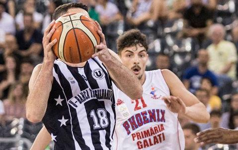 U-BT Cluj s-a calificat în semifinalele LNBM! Elevii lui Mihai Silvăşan au învins gruparea Phoenix Galaţi, scor 3-0 la general. Şi CS U Sibiu e în penultimul act al competiţiei