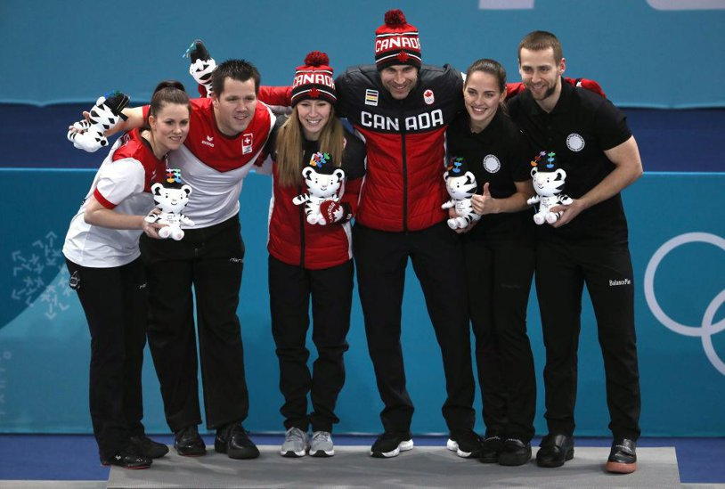 """Rusia vrea să scape de sancţiuni, dar deocamdată """"nu poate""""! Un nou sportiv din această ţară, medaliat la PyeonChang, a fost testat pozitiv la un control antidoping. Cazul de dopaj s-a consemnat la ... curling"""