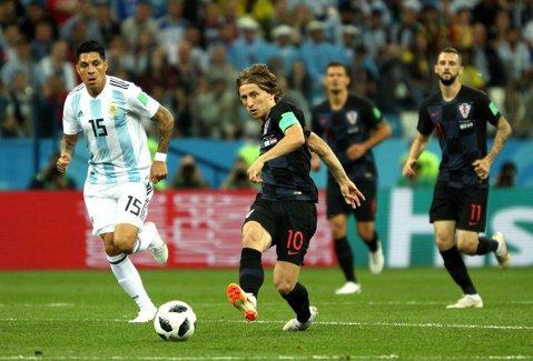 Argentina, la pământ! Messi nu a existat, Modric şi Rakitic au strălucit. Cronica meciului
