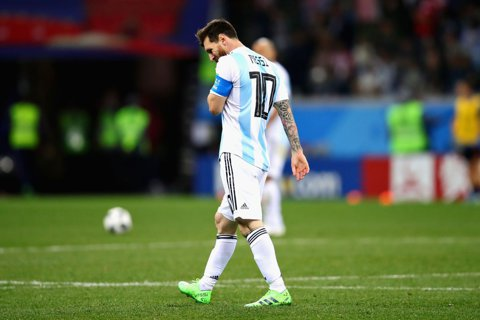 """Argentina lui Messi, """"călcată în picioare"""" după eşecul categoric în faţa Croaţiei. """"Este cea mai proastă echipă din istorie"""". Tactica lui Sampaoli? """"Dă-i mingea lui Messi şi aşteaptă un miracol!"""""""