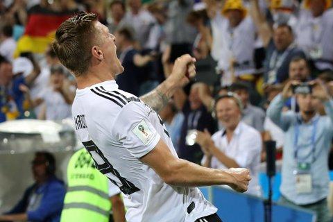 """Kroos ţine Germania în viaţă. Nemţii au scos colţii în repriza secundă. """"Prietenul"""" vechi, ratangiii şi trifoiul cu două foi. Cronica meciului"""