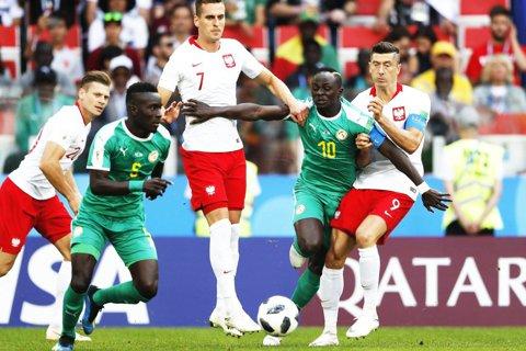 Probleme pentru polonezi! FIFA a deschis o anchetă după meciul pierdut cu Senegal