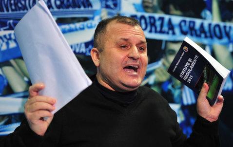 Adrian Mititelu a mai obţinut o victorie în lupta cu CS U Craiova: echipa lui e continuatoarea Universităţii