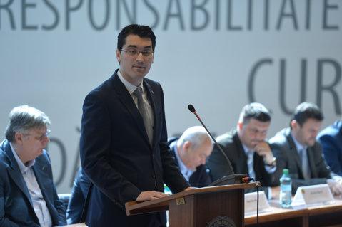 A fost desemnat înlocuitorul lui Gheorghe Chivorchian. Radu Vişan, noul secretar general al FRF