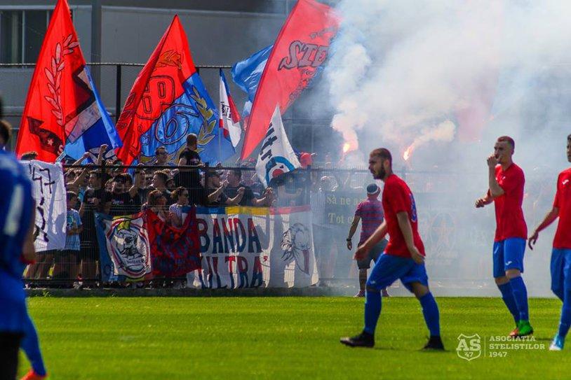 Primul sponsor important care bagă bani la CSA Steaua. FOTO | Cu ce tricouri s-au afişat steliştii